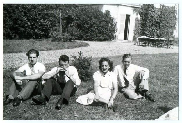 de-izquierda-a-derecha-jean-morawiecki-francois-job-helene-berr-y-jean-pineau-en-1942-en-aubergenville