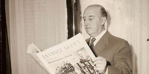 Franco leyendo La Vanguardia