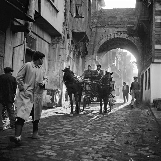 Ara Guler Coche de caballos 1958
