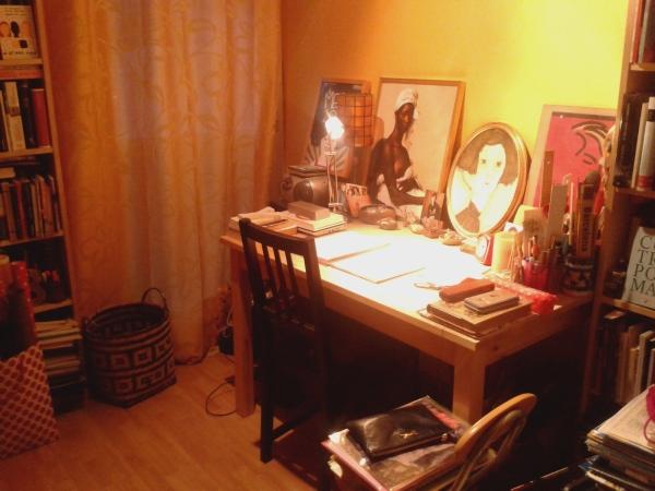 el-escritorio-de-la-poeta-anay-sala