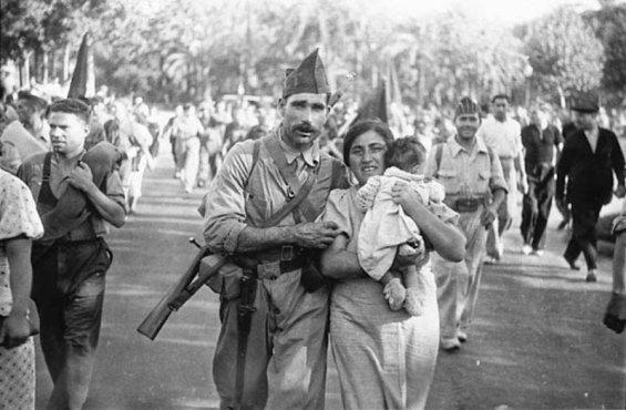 barcelona-25-de-julio-de-1936-la-columna-garcc3ada-oliver-parte-hacia-el-frente-de-aragc3b3n