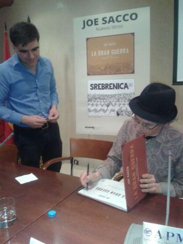 Con Joe Sacco en la presentación de 'La Gran Guerra' en Madrid