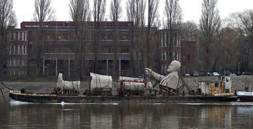 Estatua de Lenin a la fundición