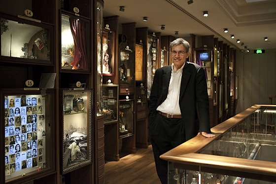 Orhan Pamuk en el Museo de la Inocencia