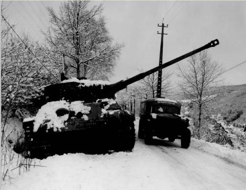 Batalla Ardenas Tanque alemán averiado
