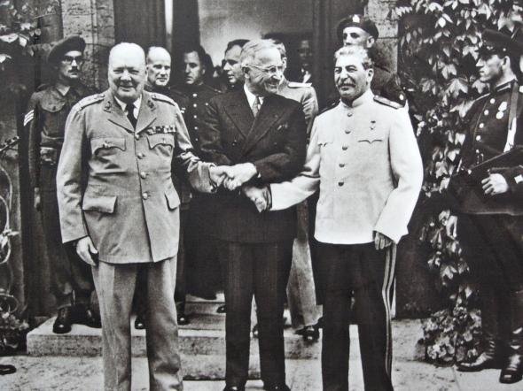 Churchill, Truman y Stalin en Potsdam