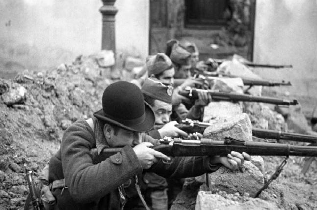 Miliciano con bombin guerra civil española