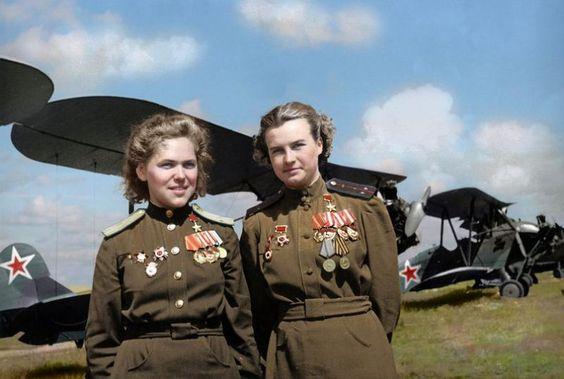Rufina Gasheva y Nataly Meklin pilotos soviéticas