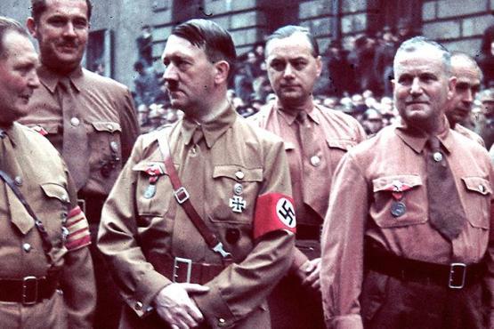 Hitler y Rosenberg en los años treinta