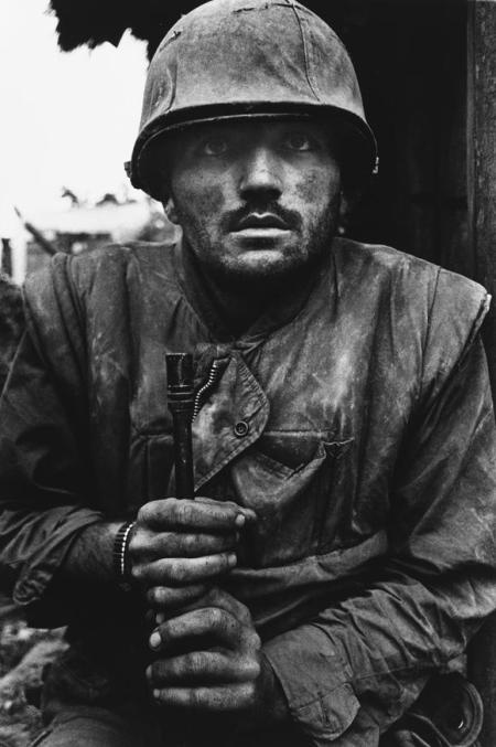 Don McCullin Marine en shock en Hue